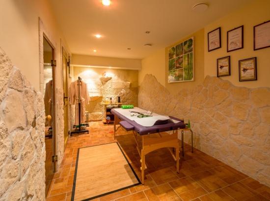 Masāžas istaba